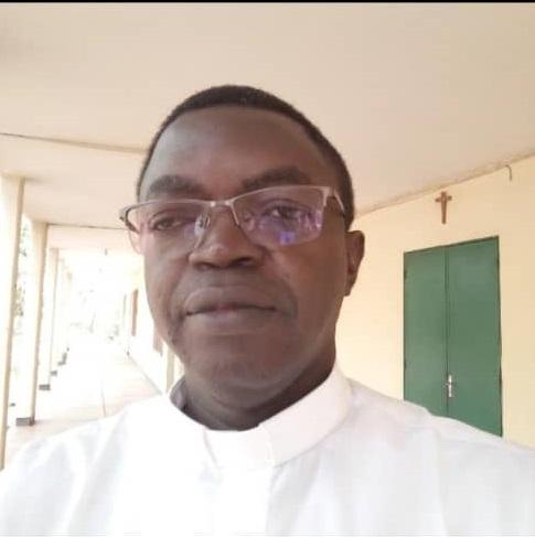 Faso.net Abbé Jean-Baptiste Sanou : L'ouverture des ministères du lectorat et de l'acolytat aux femmes dans l'Église « constitue une avancée »